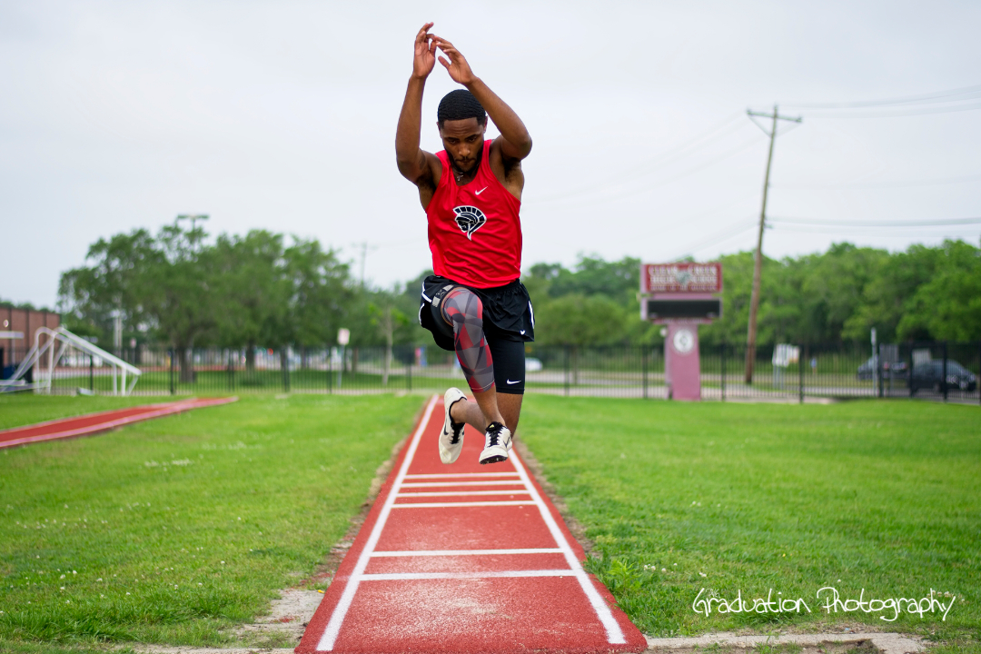 Senior Portraits for 2019 of South Houston High School